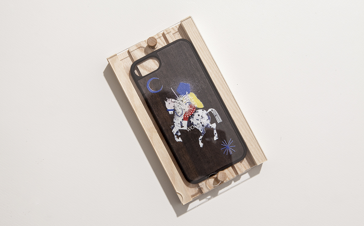 Dilen Tigreblu designs for Wood'd an esclusive iPhone Cover